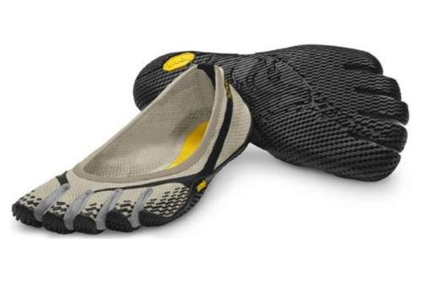 http://myshop-s3.r.worldssl.net/shop1508200.pictures.De_trek_5Fingers_Vibram_Fivefingers_Entrada_cream-black-grey.jpg