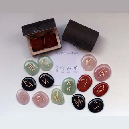 Aartsengelsymbolen in kistje<br />Onyx