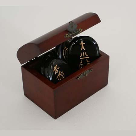 Reikisymbolen in kistje<br />Onyx