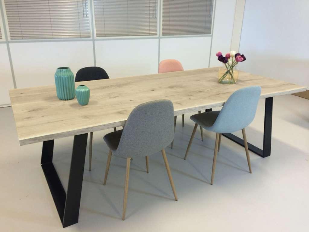 Industriele eiken boomstamtafels eettafels - Tafel eetkamer hout wit ...