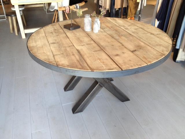 Ronde houten Eettafel Senn (massief houten tafel) met kruispoot! 140CM