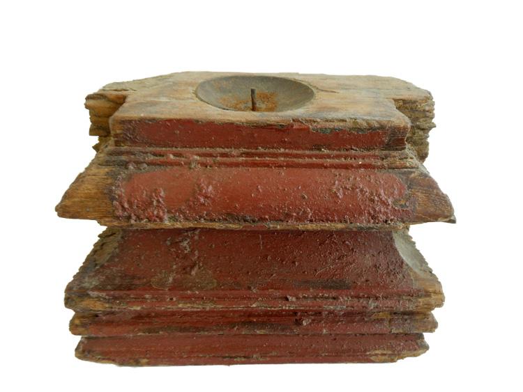 Houten kandelaar rood