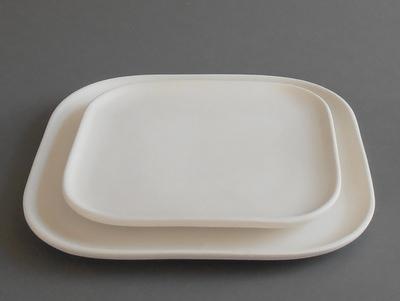 KE-105<br />vierkant bord<br />Ø22cm