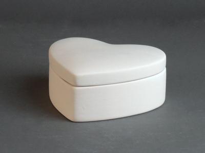 KE-608<br />Doosje hart<br />9,5 x 10cm