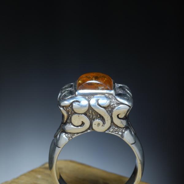 Barnsteen Ring Vierkant Bewerkt