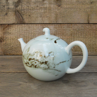 Blue Shanghai White <br />Underglazed Red grote theepot</p>