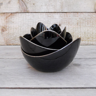 Spin<br />Black Glaze lotus schalen set</p>
