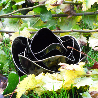 Spin<br />Black Glaze lotus schalen set</p>