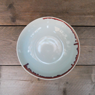 Spin<br />Underglazed Red grote schaal</p>