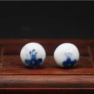 Zhao Dao<br />oorbellen met blauwe bloem</p>