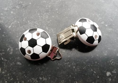 http://myshop-s3.r.worldssl.net/shop3783300.pictures.Speenclipvoetbal.jpg
