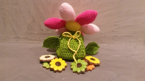 Haakpatroon cadeauzakje bloem