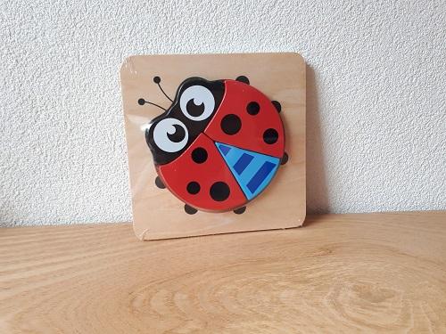 http://myshop-s3.r.worldssl.net/shop3783300.pictures.puzzellievebees.jpg