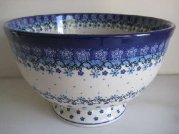 Large bowl on foot 25,5cm