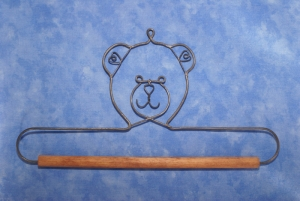 "Ackfeld 7.5"" Bear w. 3/8 Dowel Hanger"