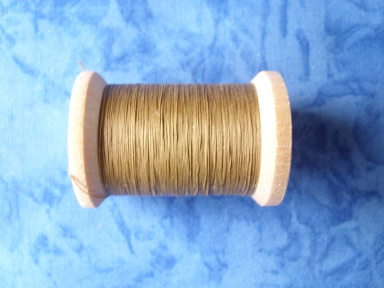 YLI Light Brown 400 Yds Quiltgaren