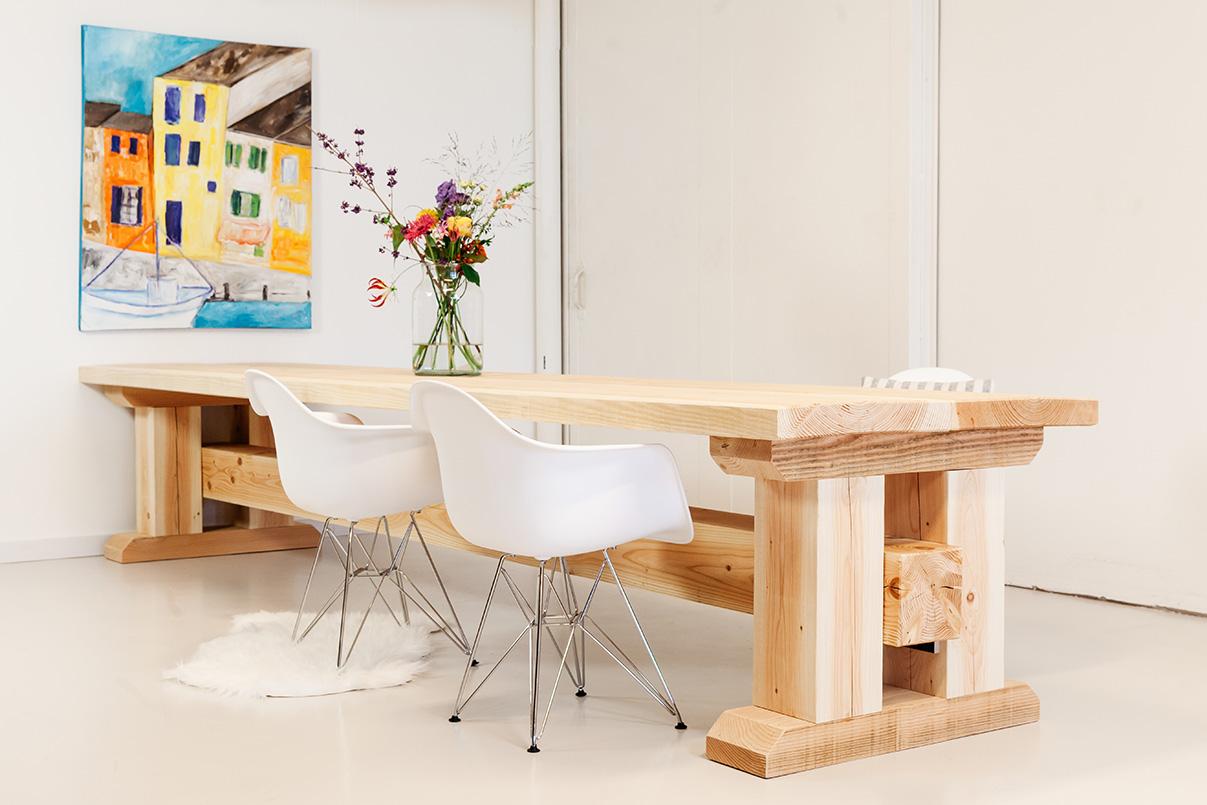 https://myshop-s3.r.worldssl.net/shop2329900.pictures.douglas-tafel-robuust-kloostertafel-PLF.jpg