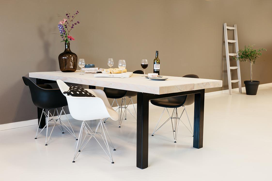 Rockwood tafel op maat specialist in douglas tafels for Hout voor tafel
