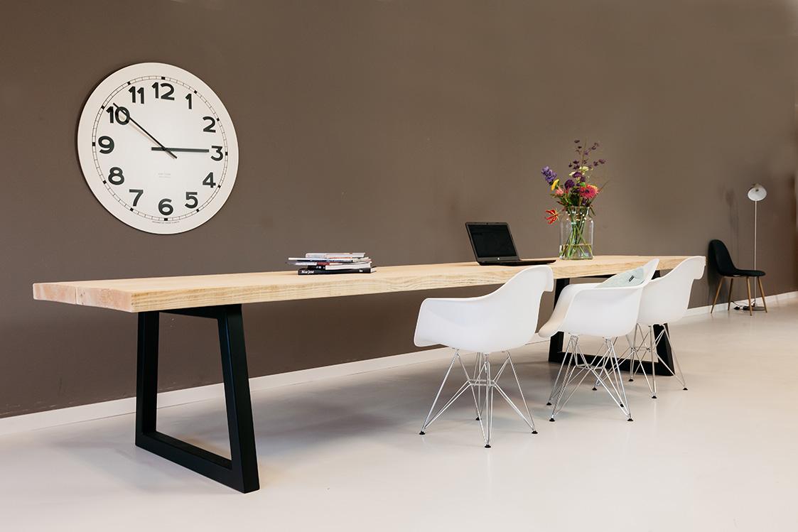 https://myshop-s3.r.worldssl.net/shop2329900.pictures.houten-tafel-stijlvol-PLF.jpg