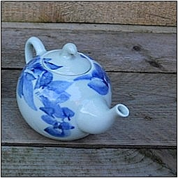 Blue Shanghai White<br />China Blue kleine theepot</p>