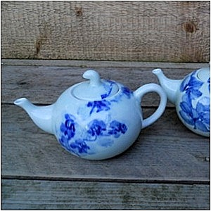Blue Shanghai White<br />China Blue kleine theepot</p>